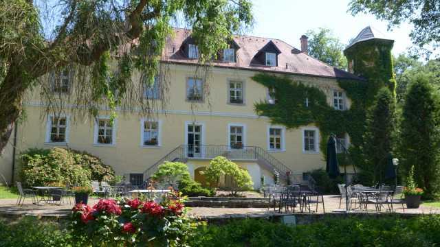 Schlosshotel Ernestgrün in Neualbenreuth-Sibyllenbad