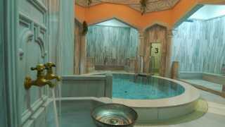 Dampfkuppel im orientalischen BadeTempel im Sibyllenbad