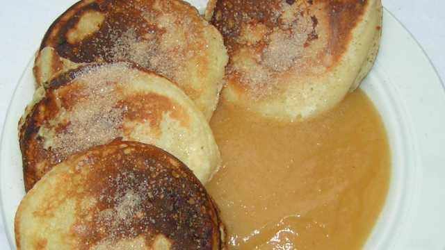 Böhmische Liwanzen mit Apfelmus
