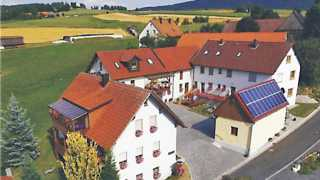 Außenansicht Luftaufnahme Gästehaus Weber